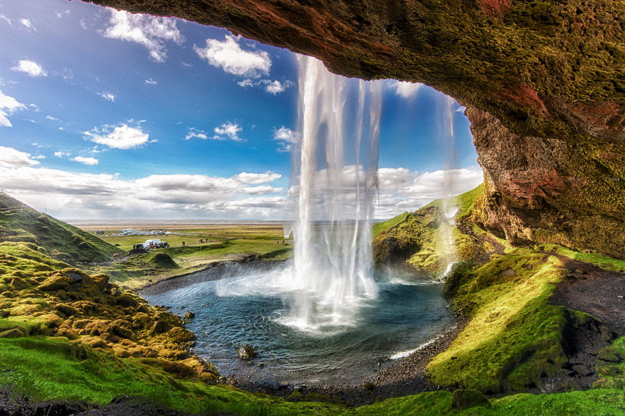 waterfall-in-Iceland